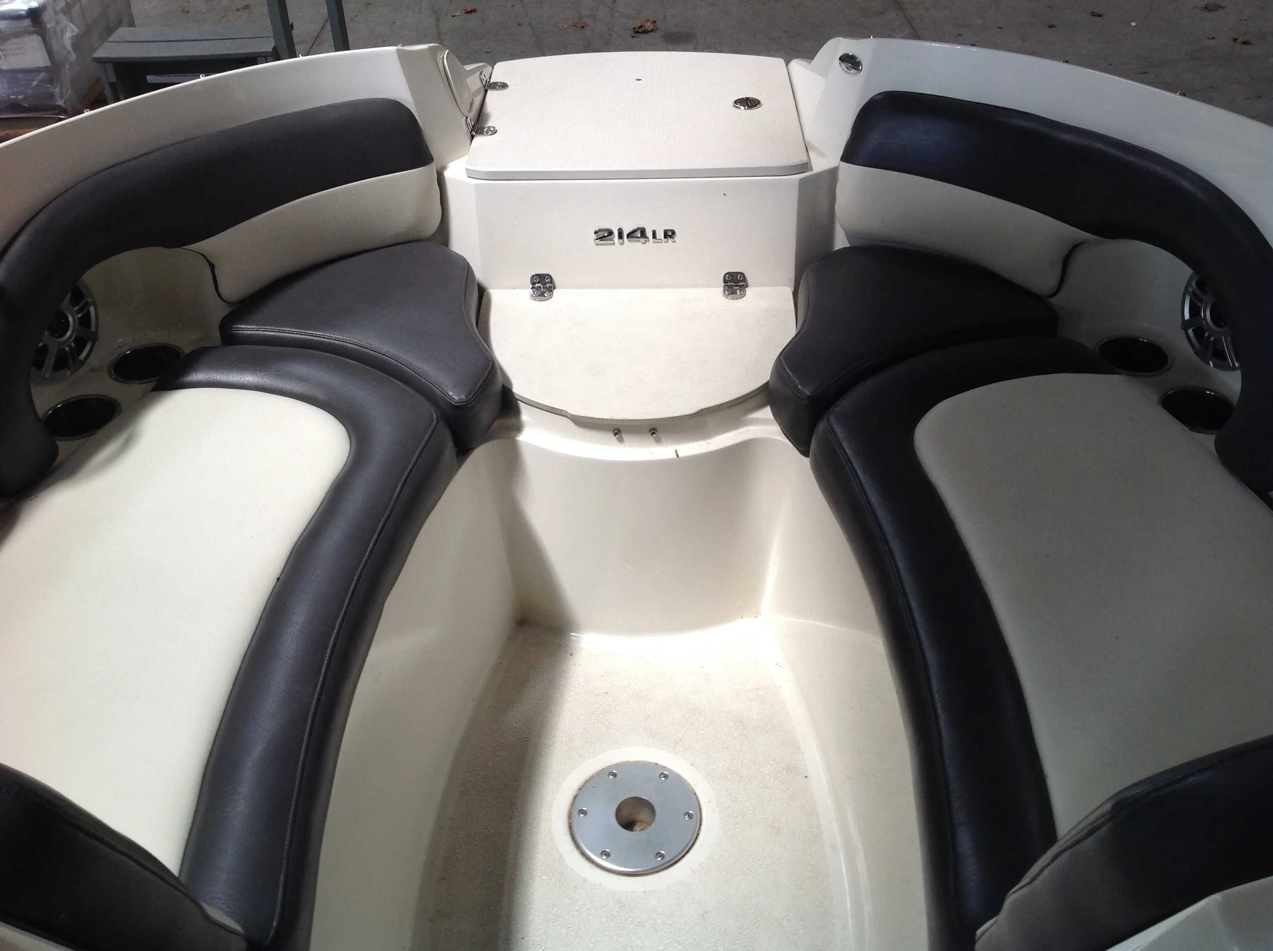 2017 Stingray boat for sale, model of the boat is 214LR & Image # 5 of 15