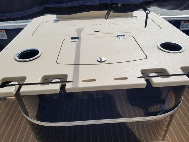 2017 Sylvan boat for sale, model of the boat is 8522 MIRAGE CNF & Image # 3 of 16