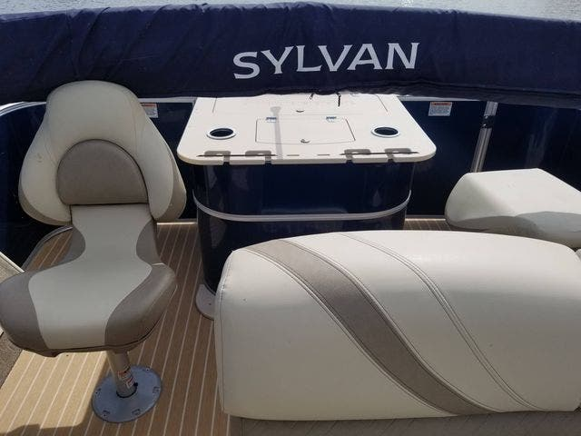 2017 Sylvan boat for sale, model of the boat is 8522 MIRAGE CNF & Image # 6 of 16