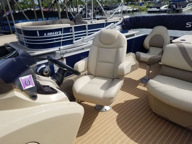 2017 Sylvan boat for sale, model of the boat is 8522 MIRAGE CNF & Image # 11 of 16