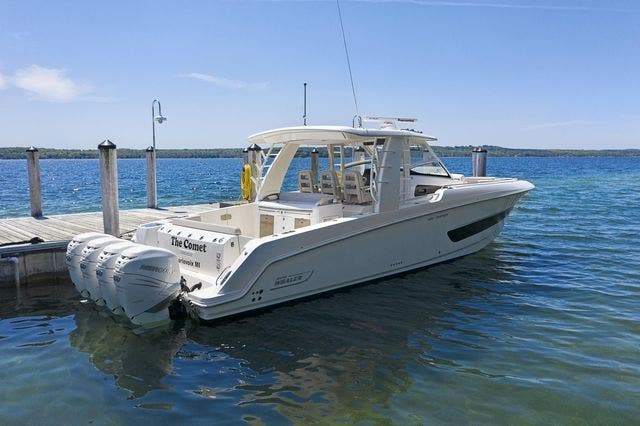 2018 Boston Whaler boat for sale, model of the boat is 420 OUTRAGE & Image # 4 of 40