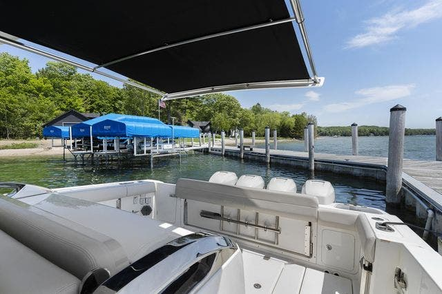 2018 Boston Whaler boat for sale, model of the boat is 420 OUTRAGE & Image # 8 of 40