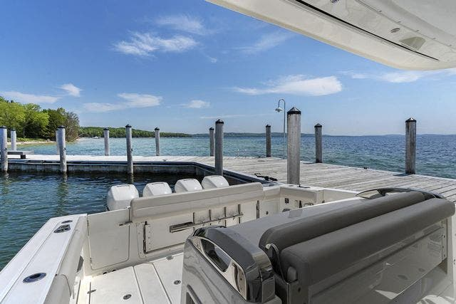 2018 Boston Whaler boat for sale, model of the boat is 420 OUTRAGE & Image # 10 of 40