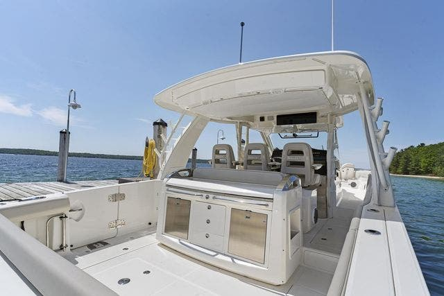 2018 Boston Whaler boat for sale, model of the boat is 420 OUTRAGE & Image # 12 of 40