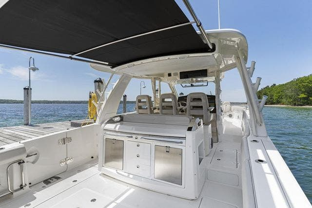 2018 Boston Whaler boat for sale, model of the boat is 420 OUTRAGE & Image # 13 of 40