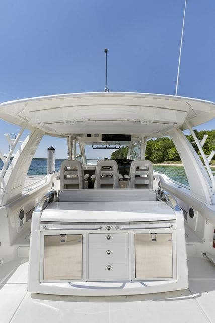 2018 Boston Whaler boat for sale, model of the boat is 420 OUTRAGE & Image # 14 of 40