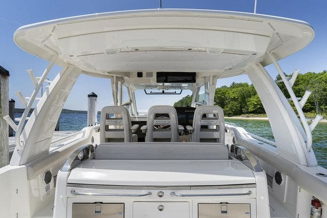 2018 Boston Whaler boat for sale, model of the boat is 420 OUTRAGE & Image # 16 of 40