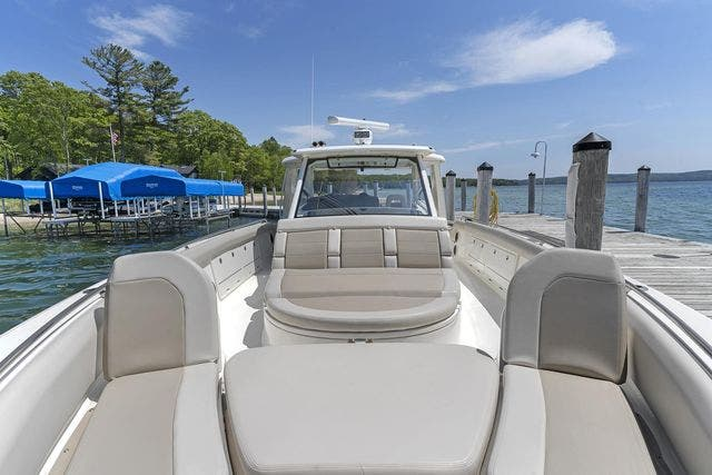 2018 Boston Whaler boat for sale, model of the boat is 420 OUTRAGE & Image # 19 of 40