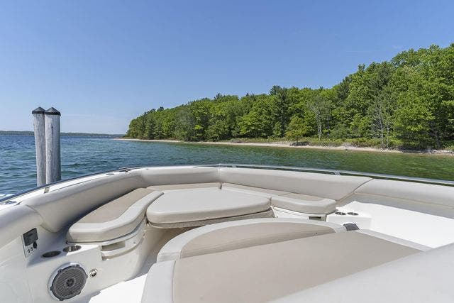 2018 Boston Whaler boat for sale, model of the boat is 420 OUTRAGE & Image # 20 of 40