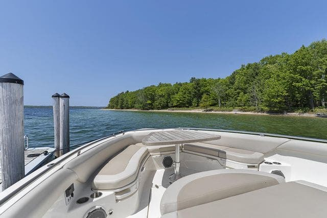 2018 Boston Whaler boat for sale, model of the boat is 420 OUTRAGE & Image # 22 of 40