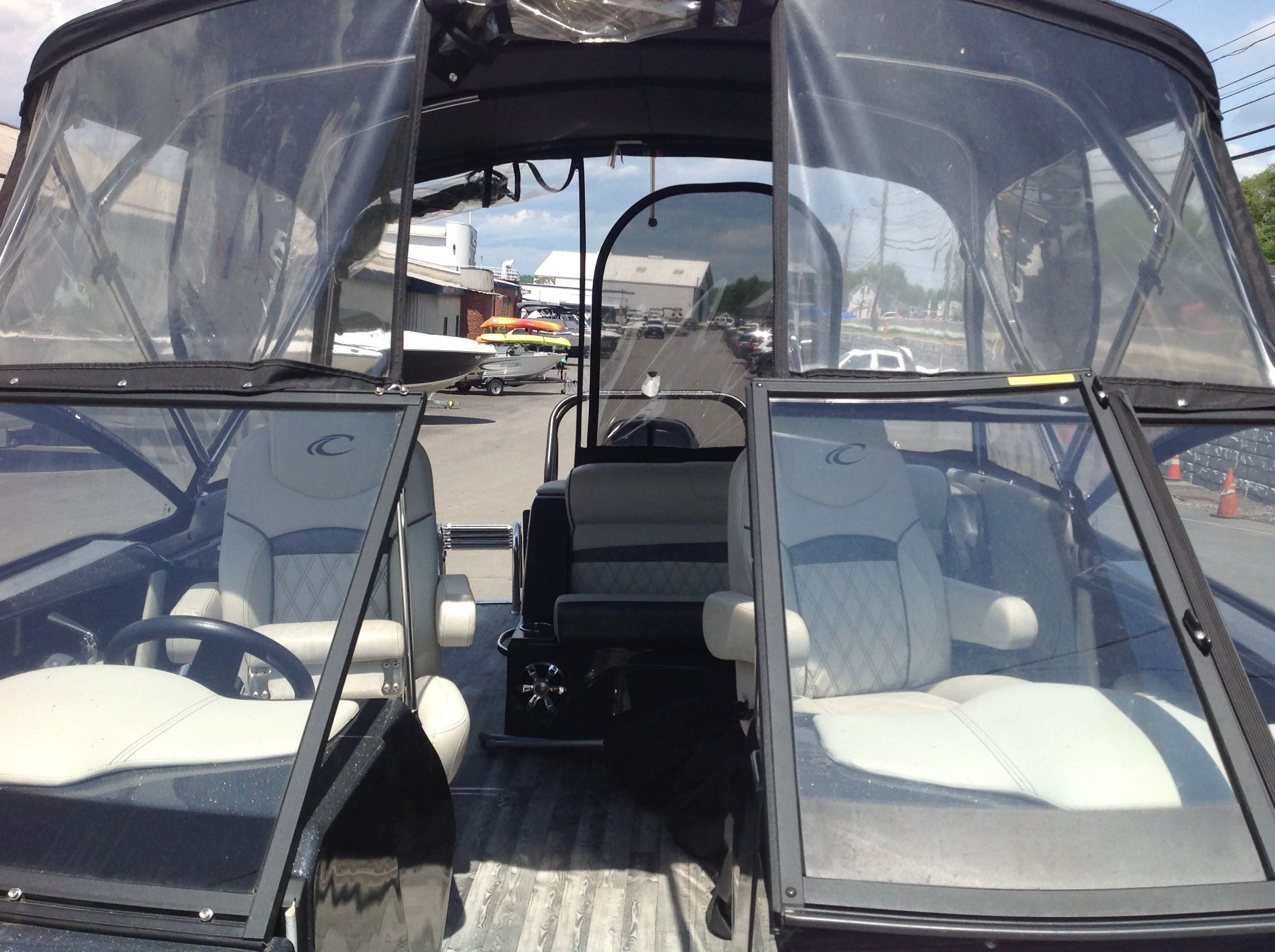 2018 Crest boat for sale, model of the boat is Continental Nx 270cs & Image # 11 of 20