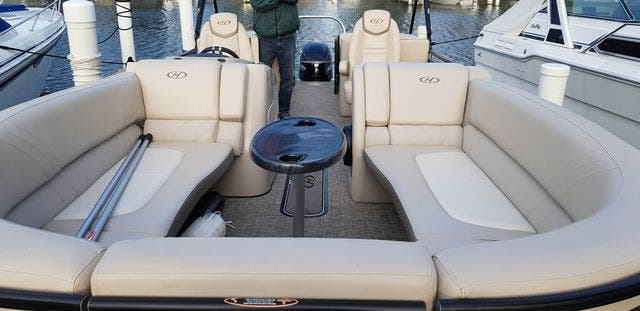 2018 Harris boat for sale, model of the boat is 240 SOLSTICE & Image # 3 of 6