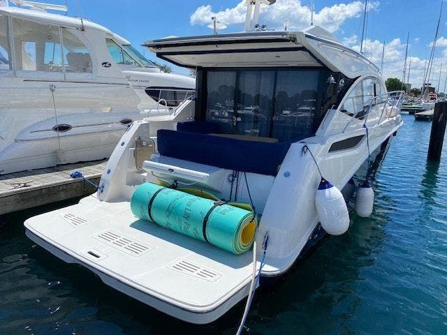 2018 Sea Ray boat for sale, model of the boat is 400 SUNDANCER & Image # 47 of 47