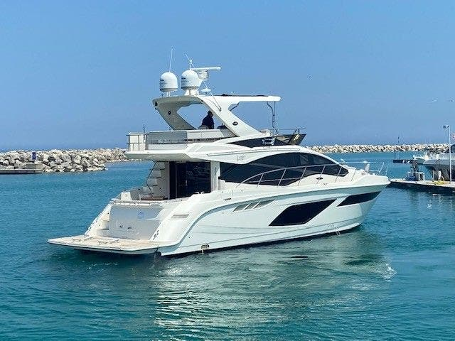 2018 Sea Ray boat for sale, model of the boat is L550FLY & Image # 3 of 41