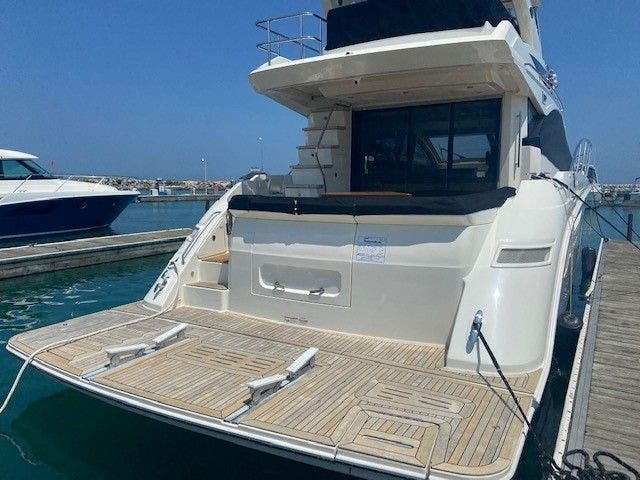 2018 Sea Ray boat for sale, model of the boat is L550FLY & Image # 5 of 41