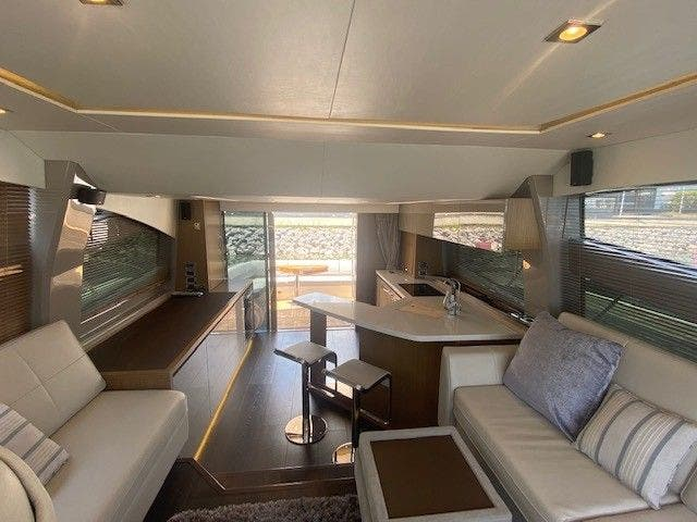2018 Sea Ray boat for sale, model of the boat is L550FLY & Image # 19 of 41