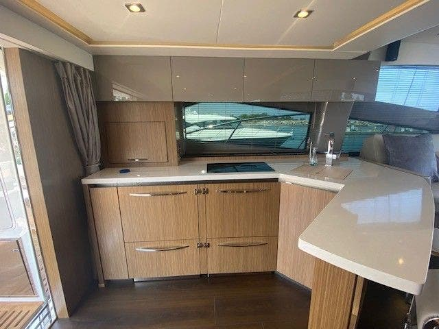 2018 Sea Ray boat for sale, model of the boat is L550FLY & Image # 20 of 41