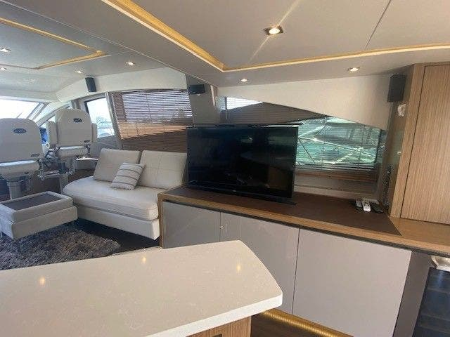 2018 Sea Ray boat for sale, model of the boat is L550FLY & Image # 21 of 41