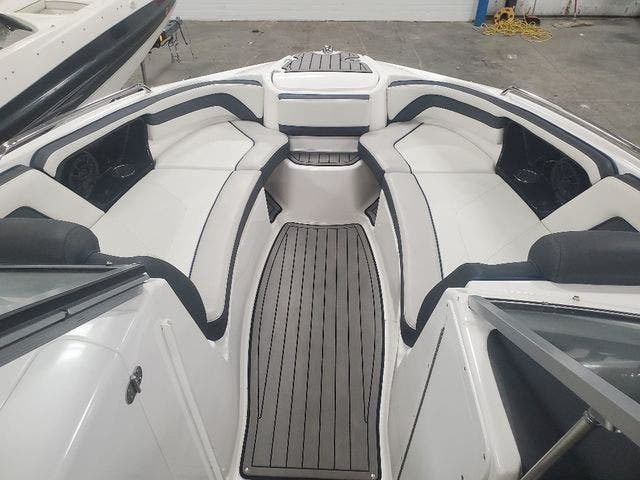 2018 Yamaha boat for sale, model of the boat is 242 LTD S & Image # 8 of 19