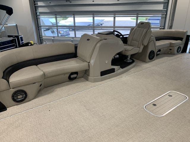 2019 Barletta boat for sale, model of the boat is EX23Q & Image # 8 of 11