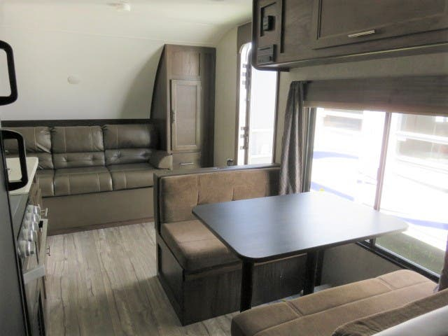 2019 Forest River Cherokee Grey Wolf 17BHSE Thumbnail