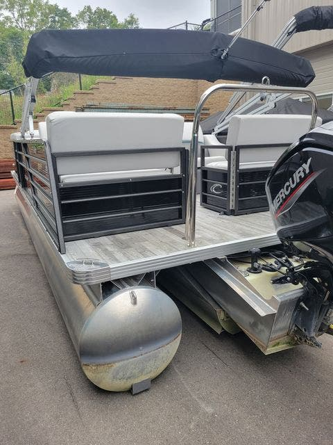 2019 Crest boat for sale, model of the boat is 240SLRC & Image # 3 of 20