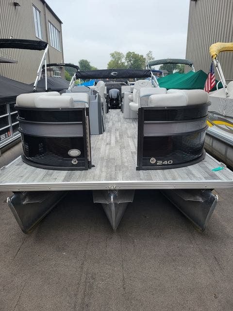 2019 Crest boat for sale, model of the boat is 240SLRC & Image # 4 of 20