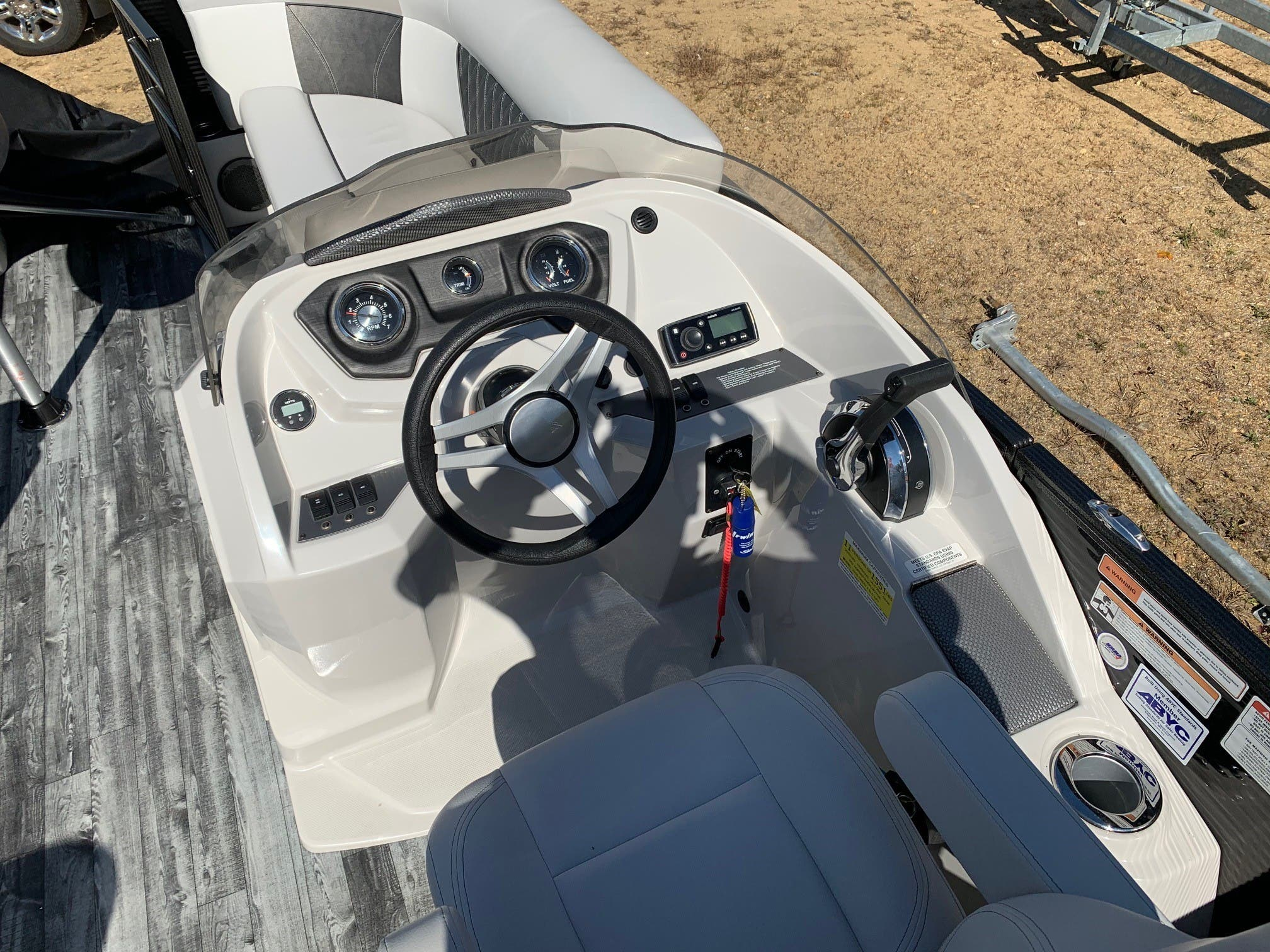2019 Crest boat for sale, model of the boat is II 220 SLC & Image # 5 of 7