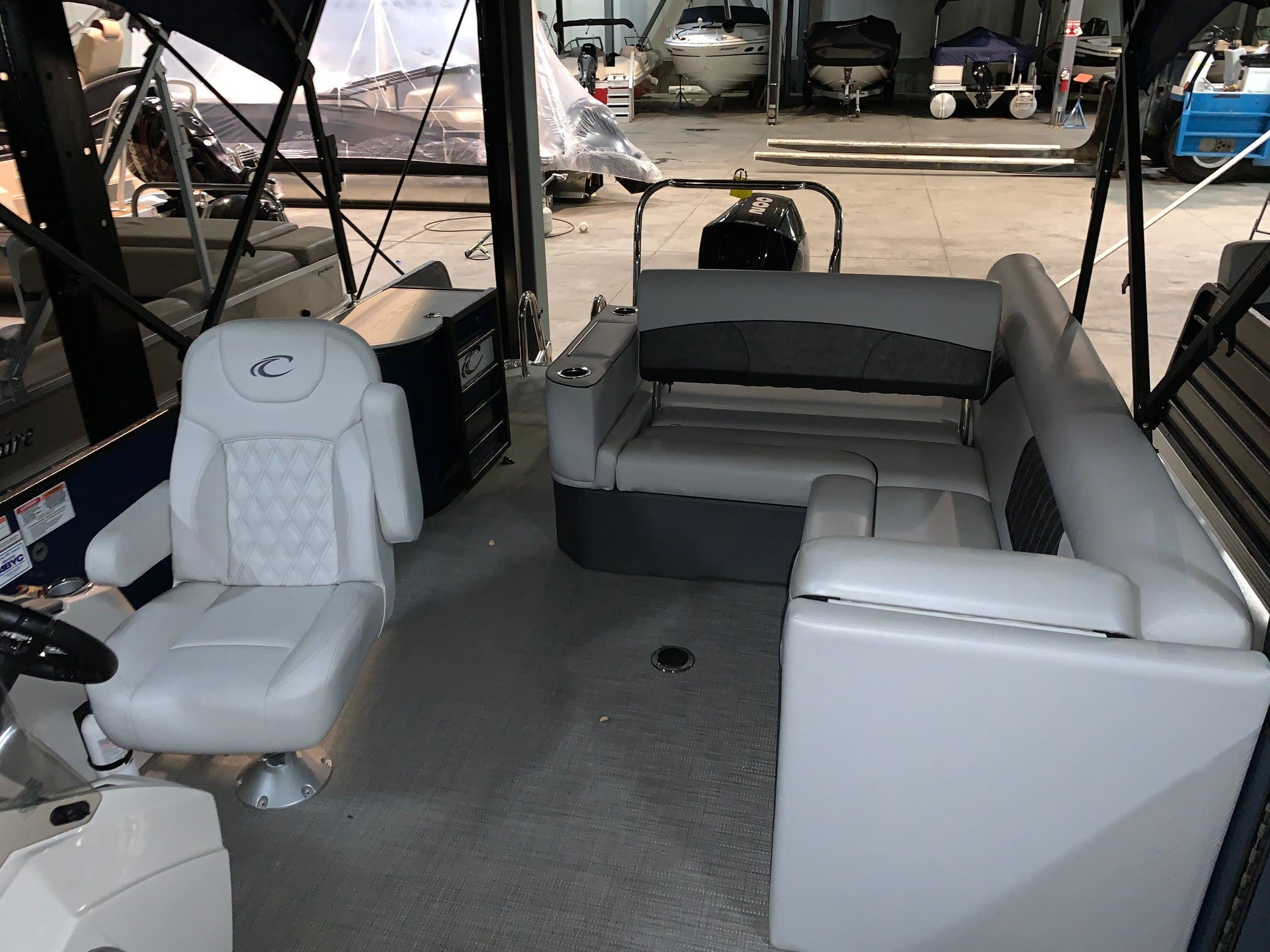 2019 Crest boat for sale, model of the boat is II 220 SLS & Image # 4 of 9