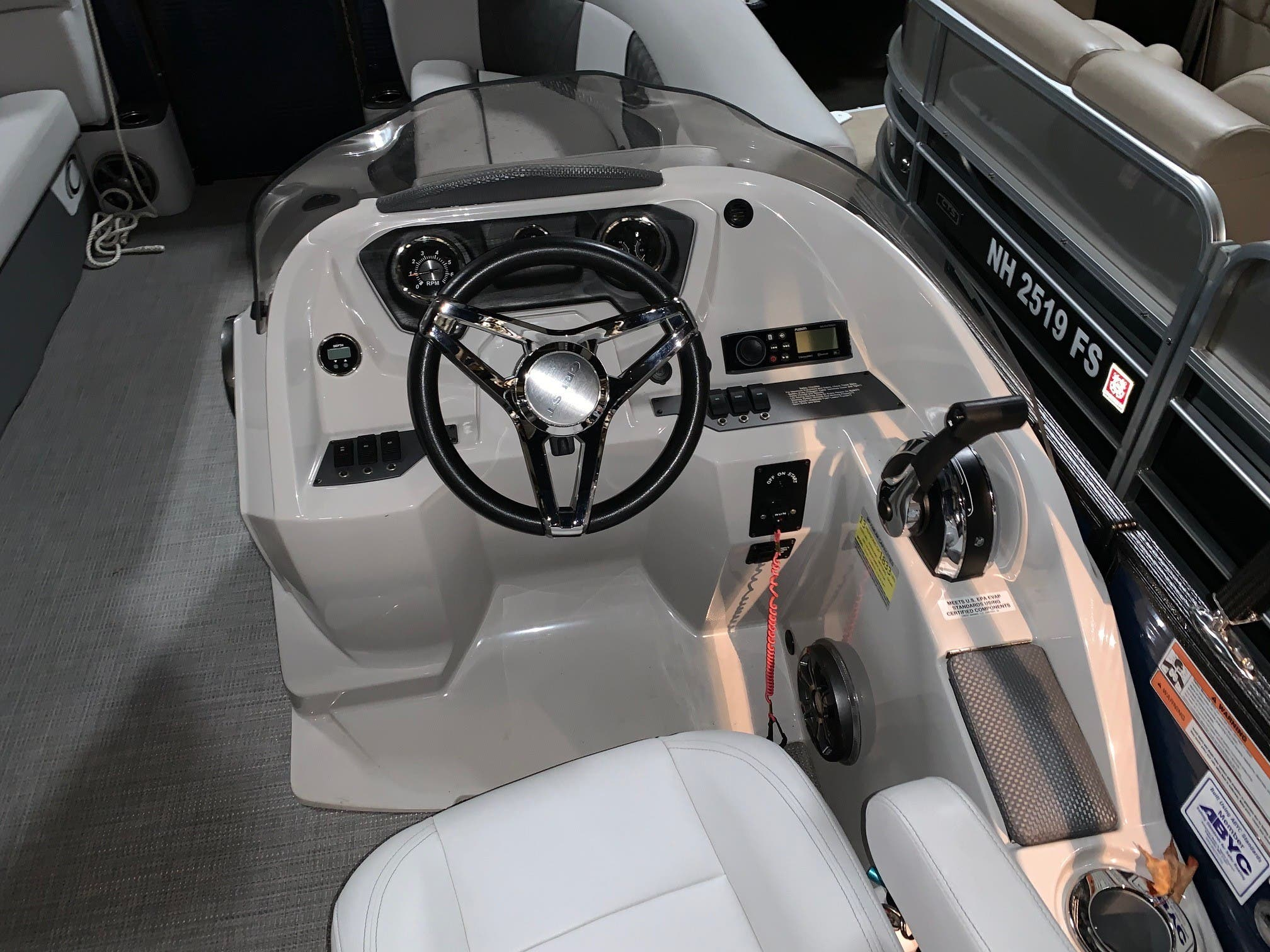 2019 Crest boat for sale, model of the boat is II 220 SLS & Image # 5 of 9