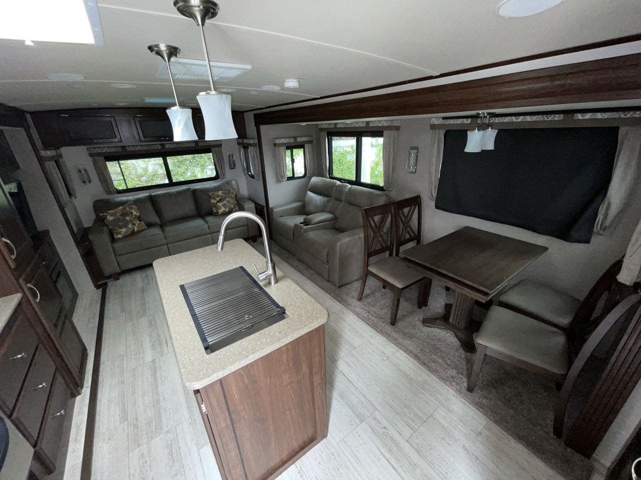 2019 Forest River Solaire 316 RLTS Thumbnail