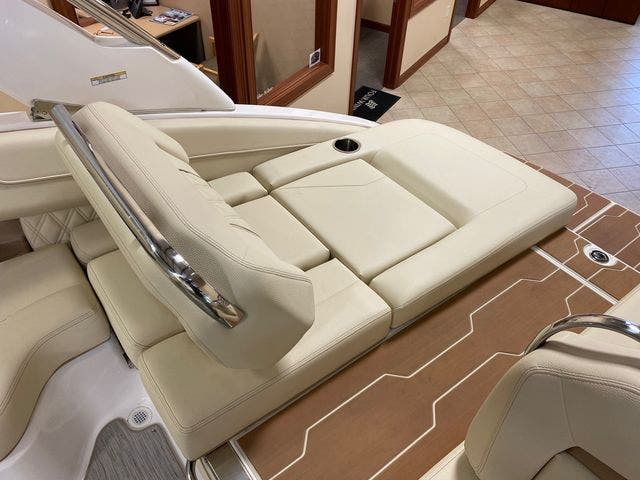 2019 Regal boat for sale, model of the boat is LS4 & Image # 6 of 20