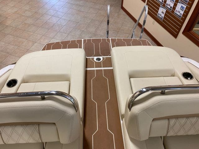 2019 Regal boat for sale, model of the boat is LS4 & Image # 7 of 20