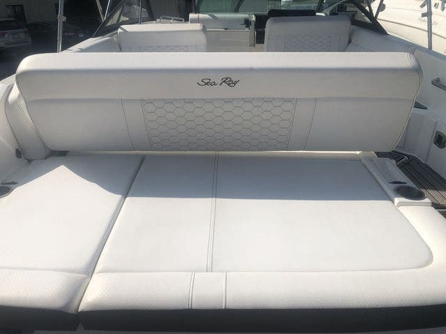 2019 Sea Ray boat for sale, model of the boat is 250 SDX & Image # 9 of 29