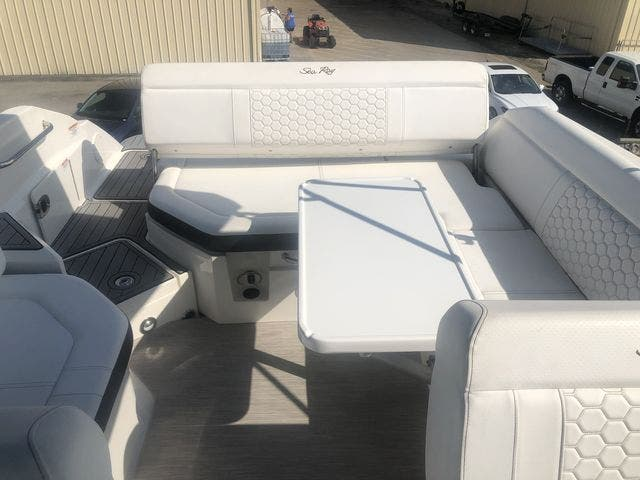 2019 Sea Ray boat for sale, model of the boat is 250 SDX & Image # 12 of 29