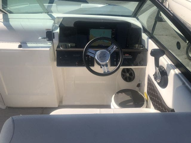 2019 Sea Ray boat for sale, model of the boat is 250 SDX & Image # 16 of 29