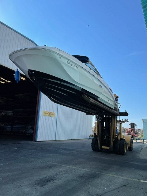 2019 Sea Ray boat for sale, model of the boat is 250 SDX & Image # 28 of 29