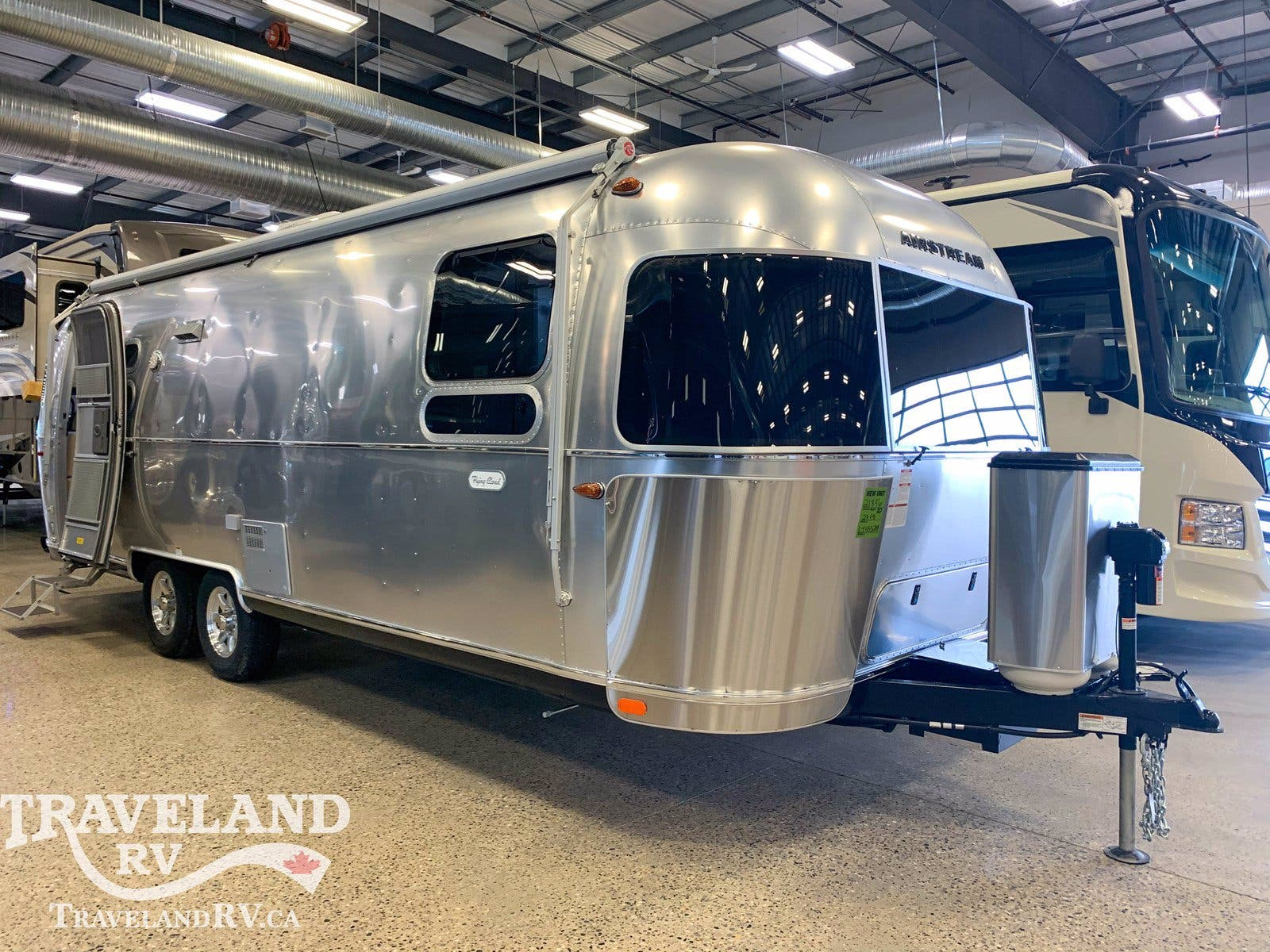 2020 Airstream Flying Cloud 27FB Thumbnail