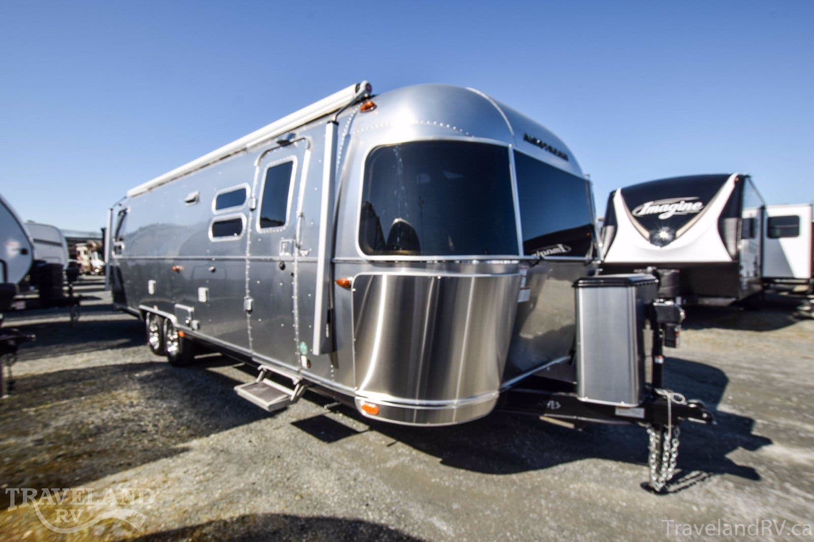 2020 Airstream Globetrotter 30RB Thumbnail
