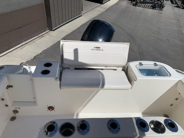 2020 Cobia boat for sale, model of the boat is 220CC & Image # 4 of 12