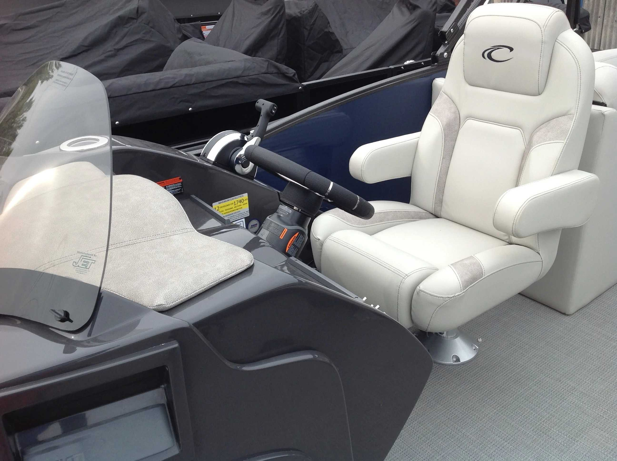 2020 Crest boat for sale, model of the boat is Caribbean Lx250 Slc & Image # 7 of 16