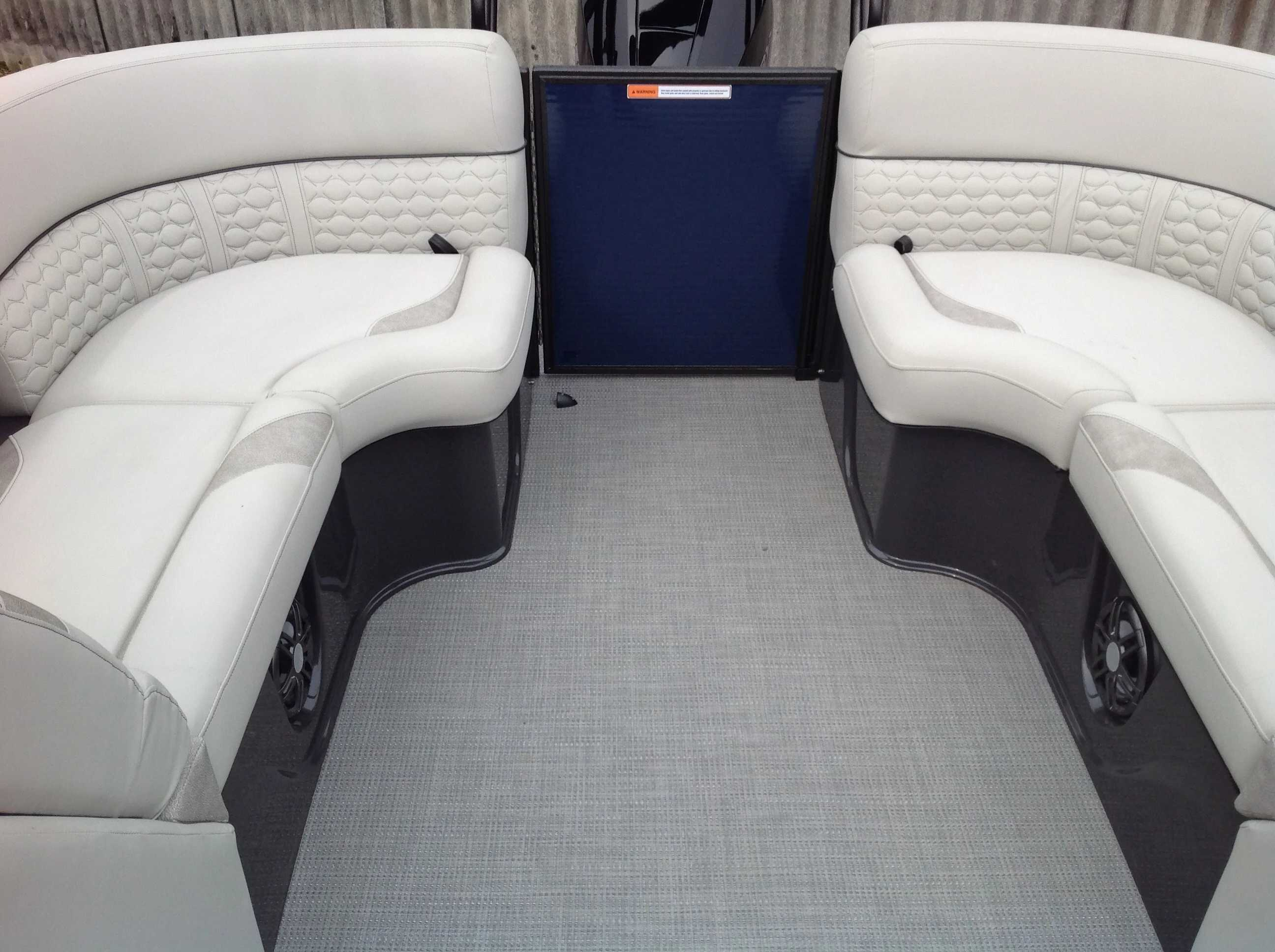 2020 Crest boat for sale, model of the boat is Caribbean Lx250 Slc & Image # 12 of 16