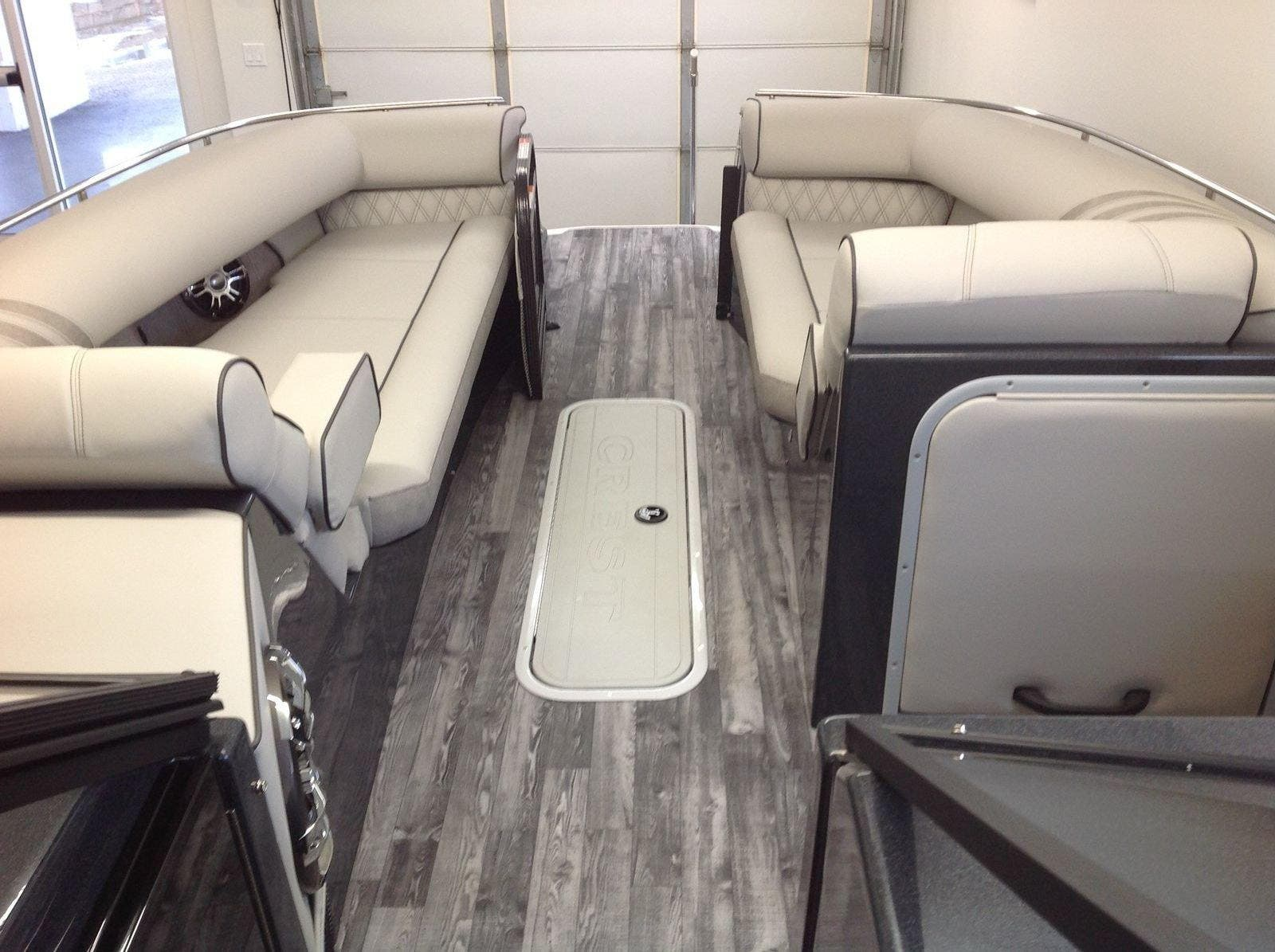 2020 Crest boat for sale, model of the boat is Continental 270sls & Image # 3 of 15