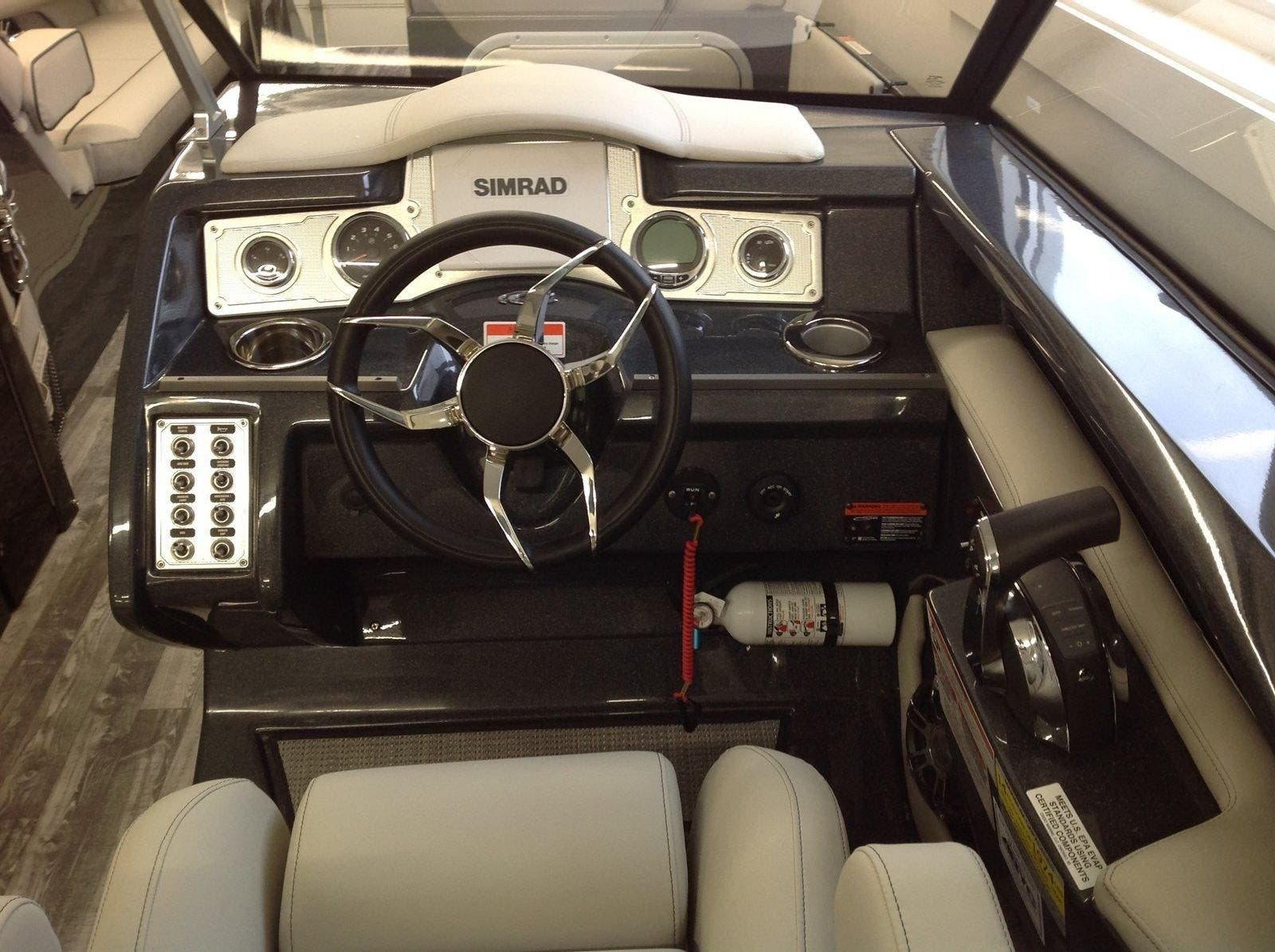 2020 Crest boat for sale, model of the boat is Continental 270sls & Image # 6 of 15
