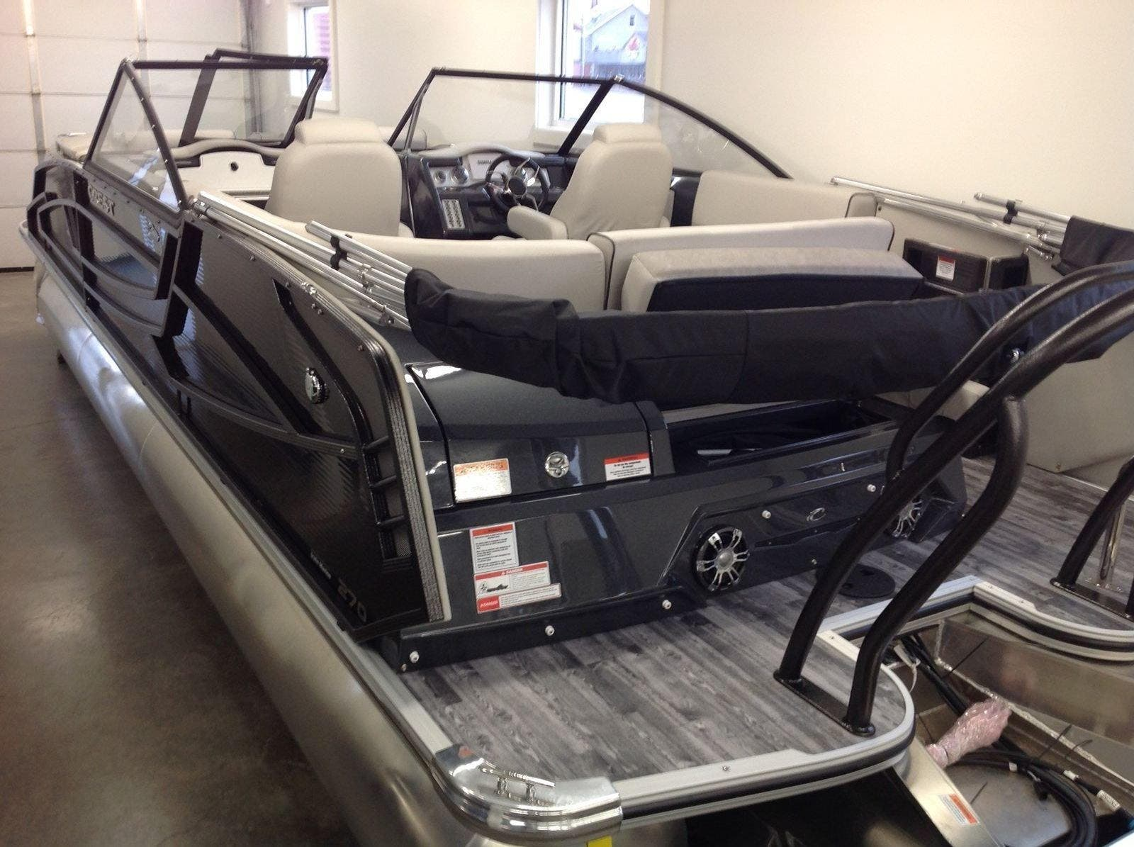 2020 Crest boat for sale, model of the boat is Continental 270sls & Image # 15 of 15