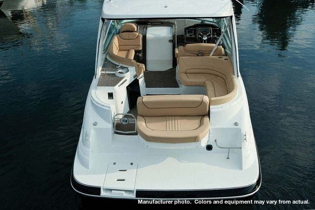 2020 Cruisers Yachts boat for sale, model of the boat is 35EXPRESS & Image # 4 of 9
