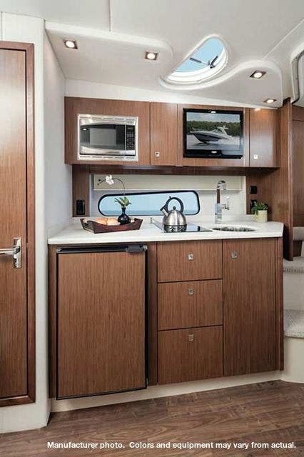 2020 Cruisers Yachts boat for sale, model of the boat is 35EXPRESS & Image # 6 of 9