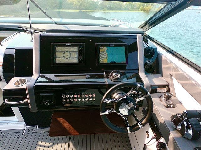 2020 Cruisers Yachts boat for sale, model of the boat is 38GLS I/O & Image # 15 of 18