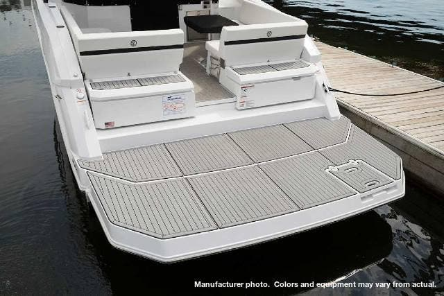 2020 Cruisers Yachts boat for sale, model of the boat is 390EXPRESS & Image # 3 of 6