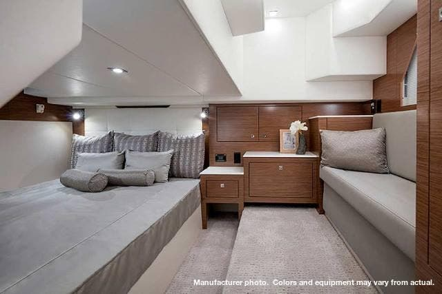 2020 Cruisers Yachts boat for sale, model of the boat is 390EXPRESS & Image # 6 of 6